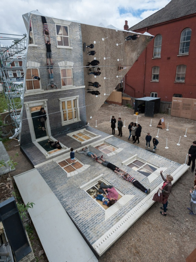 5-dalston-house-installation-by-leandro-erlich